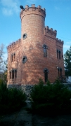 Арочні вікна в будинку-фортеці