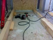 балкон обшивають дерев'яною вагонкою-2_thumb