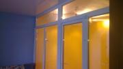 Перегородка з пластикових вікон в кімнаті